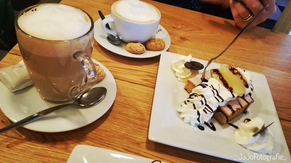 Koffie verkeerd, Cappucinno, Oranjekoek, Stadswaag Leeuwarden